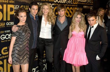 Leighton Meester, Penn Badgley, Blake Lively, Chace Crawford, Taylor Momsen, Ed Westwick at arrivals for GOSSIP GIRL Series Premiere on the CW Network, Tenjune, New York, NY, September 18, 2007. Photo by: David Giesbrecht/Everett Collection