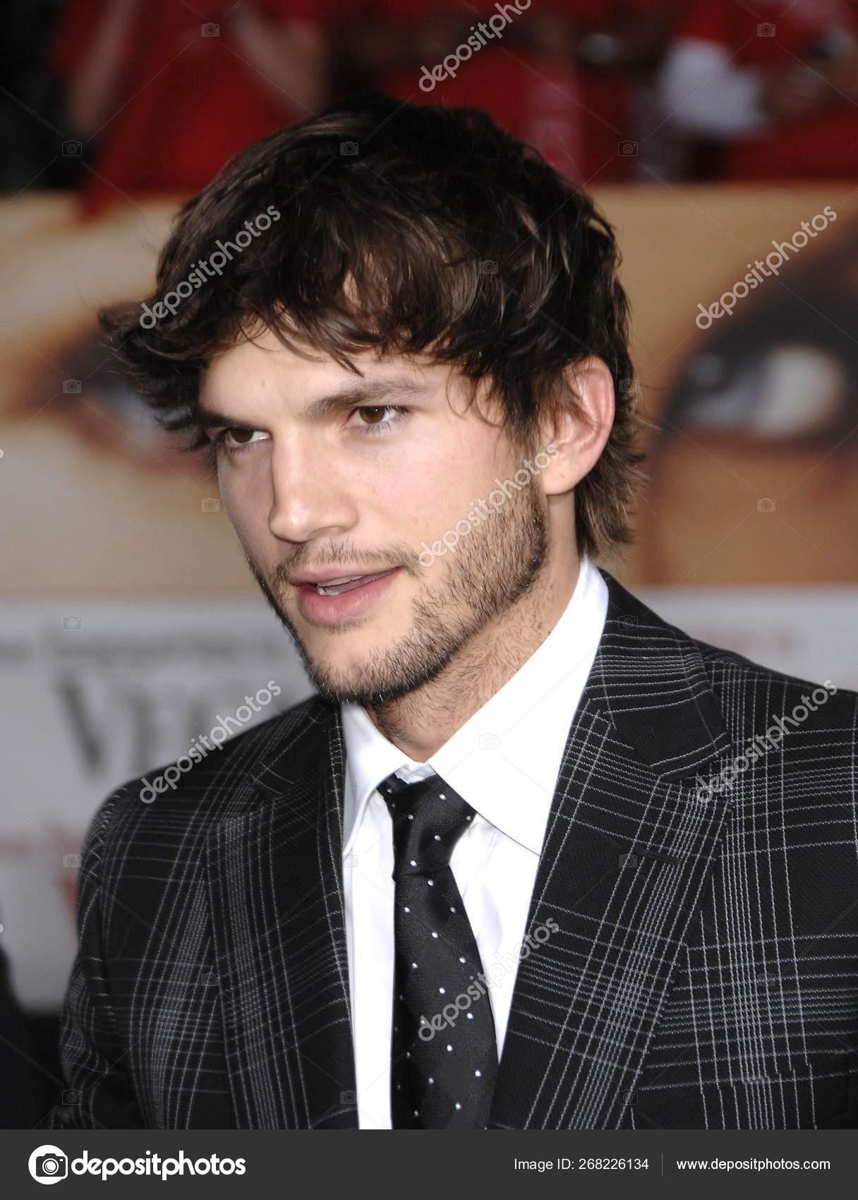 Ashton Kutcher Wearing Gucci Arrivals Premiere What Happens Vegas Mann Stock Editorial Photo C Everett225 268226134