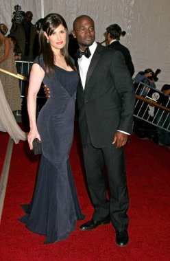 Idina Menzel ,Taye Diggs at arrivals for Metropolitan Museum of Art Costume Institute Gala - Poiret: King of Fashion, The Metropolitan Museum of Art, New York, NY, May 07, 2007. Photo by: Rob Rich/Everett Collection