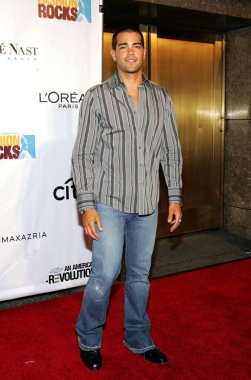 Jesse Metcalfe at arrivals for Conde Nast Fashion Rocks Concert, Radio City Music Hall, New York, NY, September 08, 2005. Photo by: Gregorio Binuya/Everett Collection