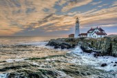 Photo Portland Head Light, is a historic lighthouse in Cape Elizabeth, Maine. in the early morning