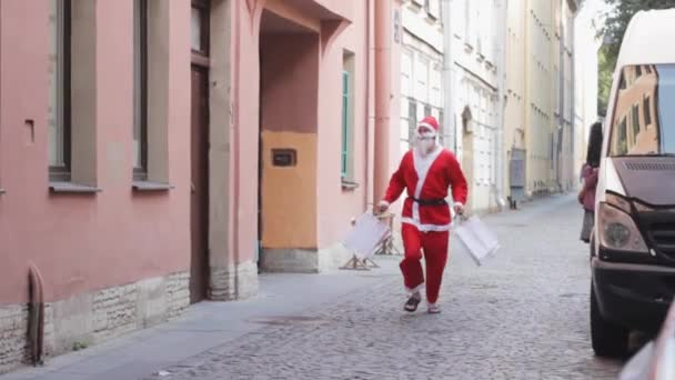 Mikulás fut eladó ajándékok vicces karácsonyi új év ünnepe