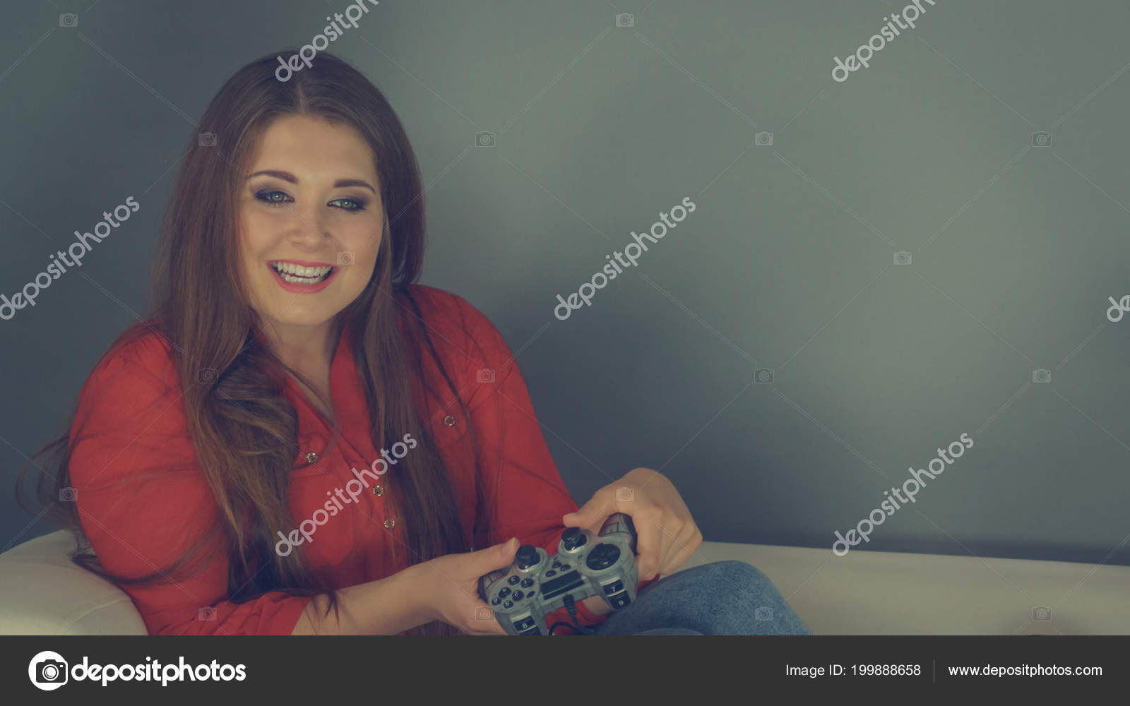 Nerd Geek Young Adult Women Playing Video Console Holding Game — Stock Photo