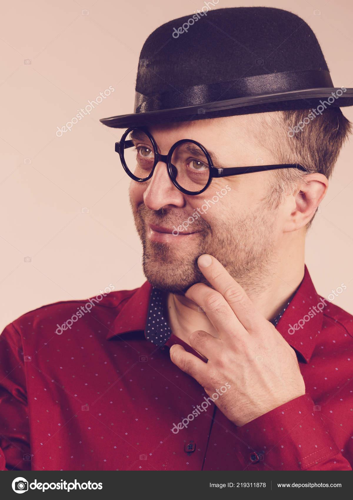 Funny Guy Wearing Eyeglasses Fedora Hat Adult Man Having Weird — Stock Photo f1120c044914
