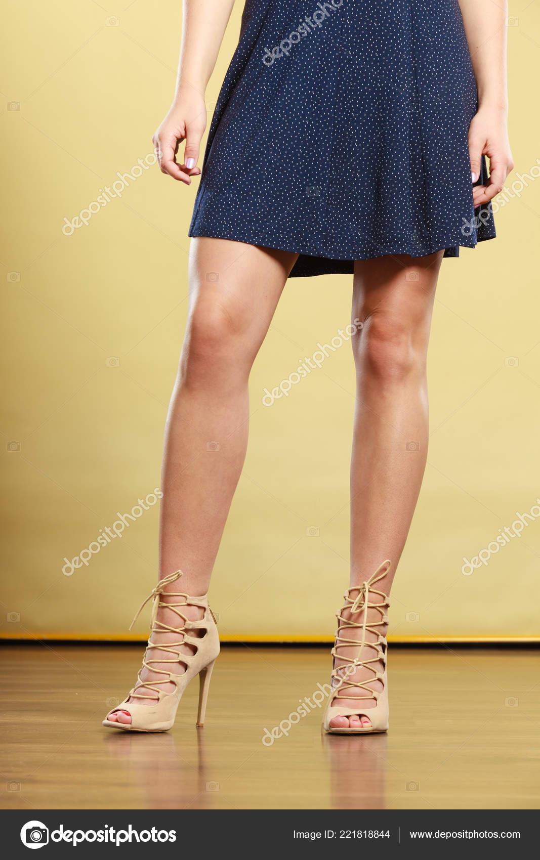 Concepto Ideas Moda Ropa Moda Verano Mujer Con Vestido Azul