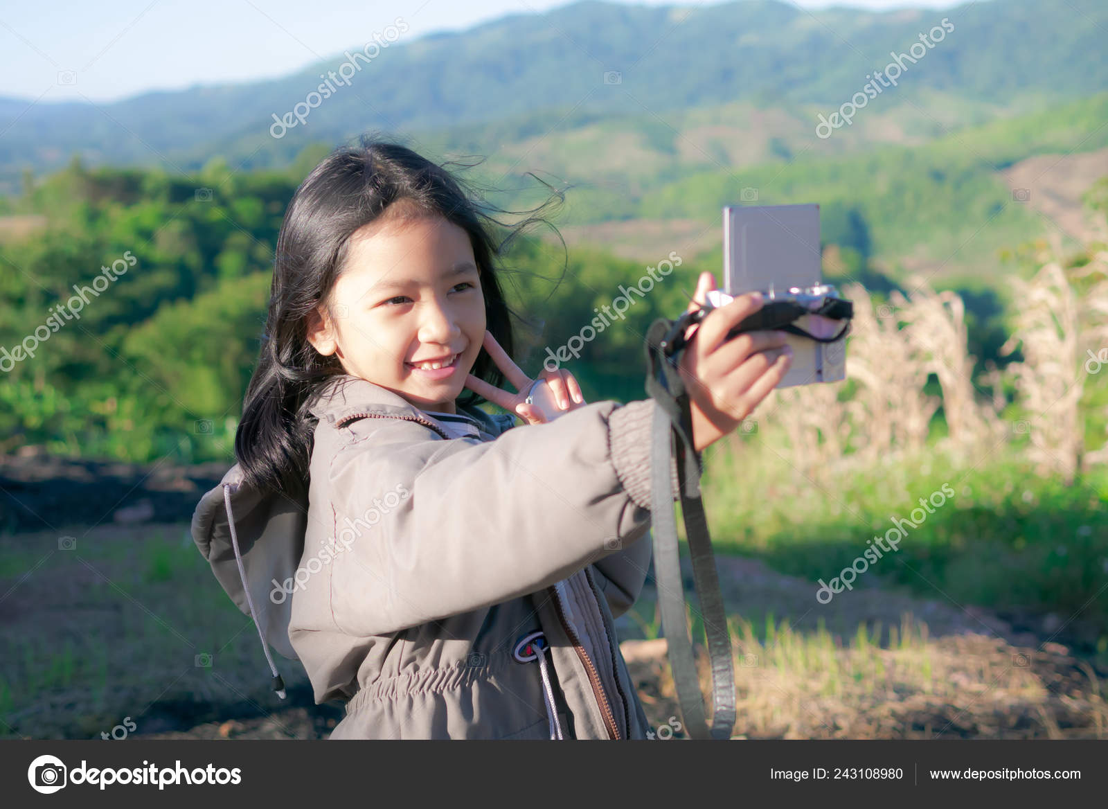 madchen nimmt selfie