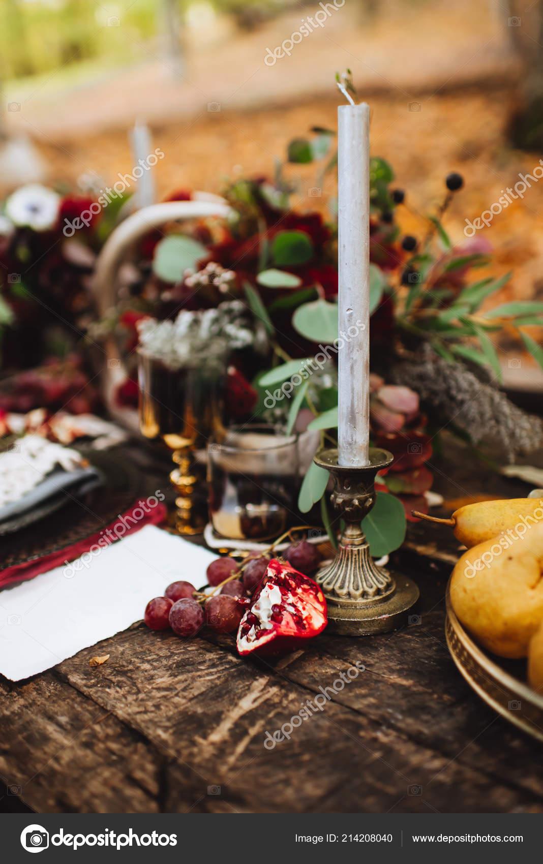 Localizaç u00e3o Outono Outono Decoraç u00e3o Cadeiras Balanço Conceito Familylove Festa Casamento u2014 Stock  # Decoração Festa Folhas De Outono