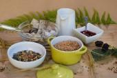 Fotografia Leckeres, gesundes Frhstck, mit Cerealien, Krnern und frischer Milch