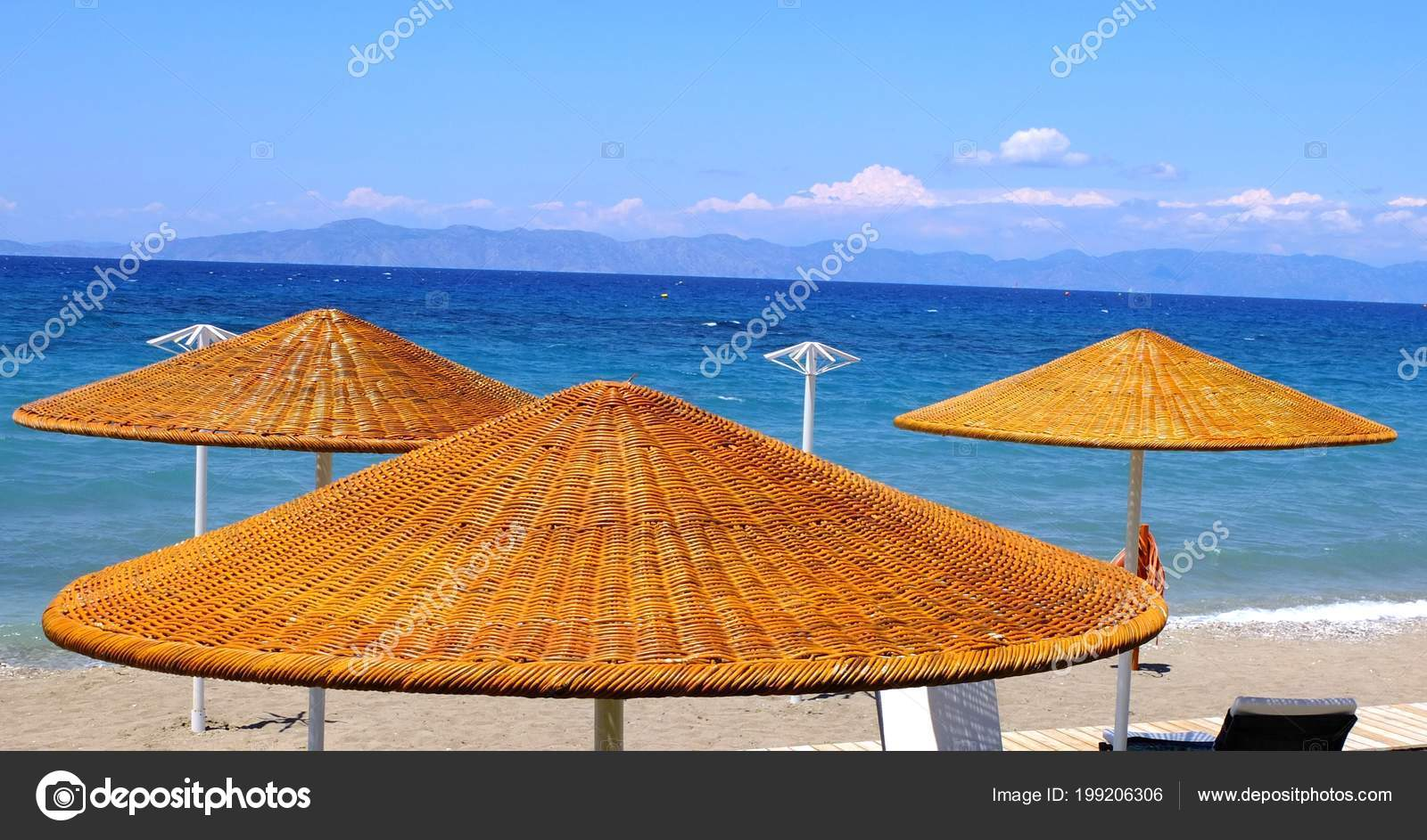 dd1ee01be Sun Umbrellas Woven Twigs Painted Bright Orange Color Stand Beach — Stock  Photo