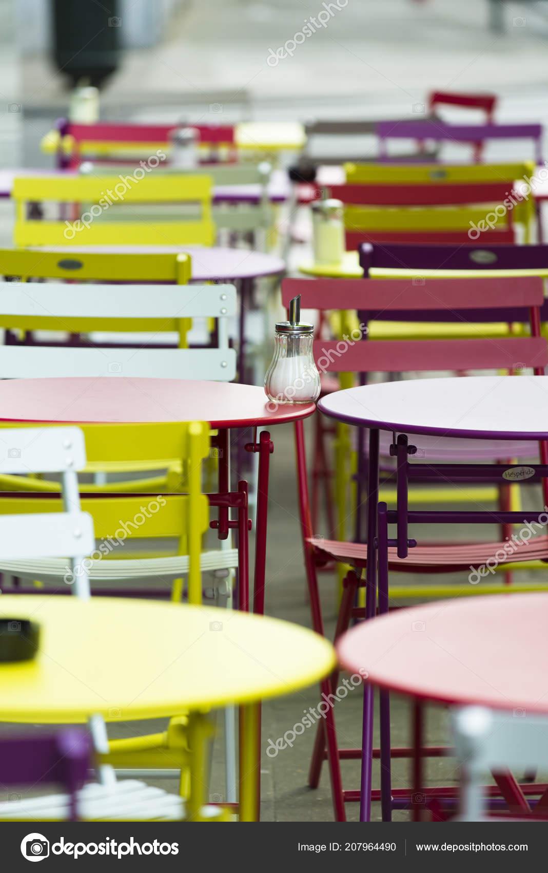 Coloridas Sillas Mesas Terraza Bar Foto De Stock Mimohe