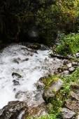 Cascata sul cammino Inca sulla strada per Machu Picchu, Perù