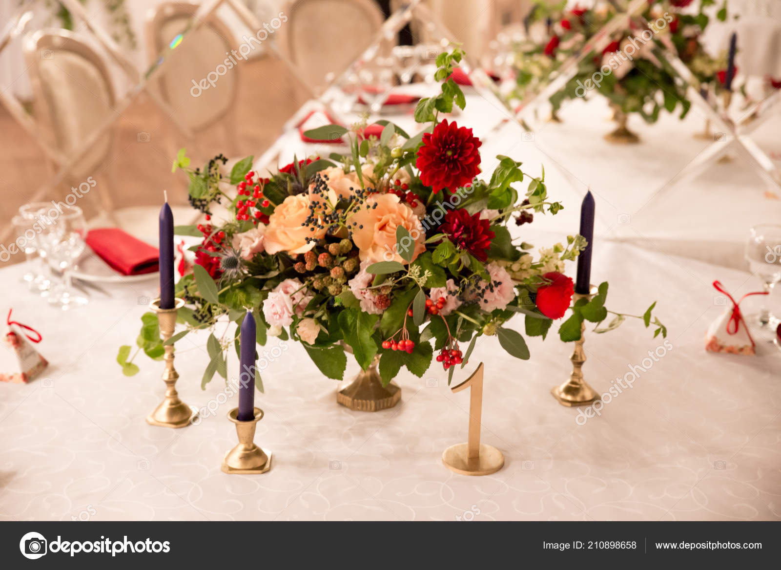 Red And White Table Settings Table Decor Wedding Ceremony