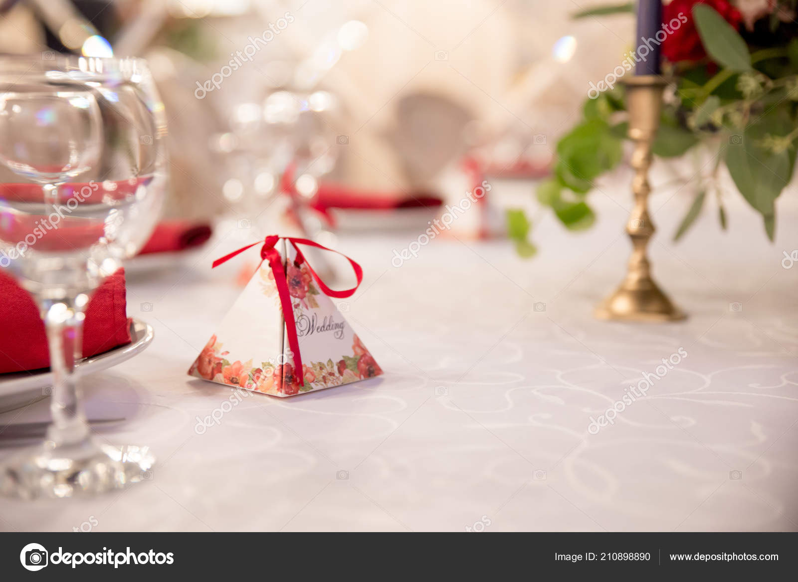 Table Decor Wedding Ceremony Table Setting Flowers Red White Decor