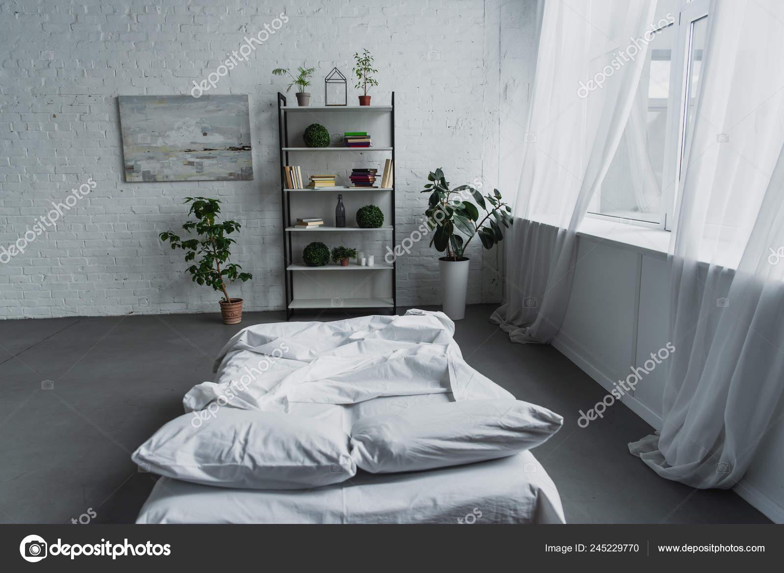 Moderno Diseño Interiores Dormitorios Con Plantas Cama Rack Ladrillo ...