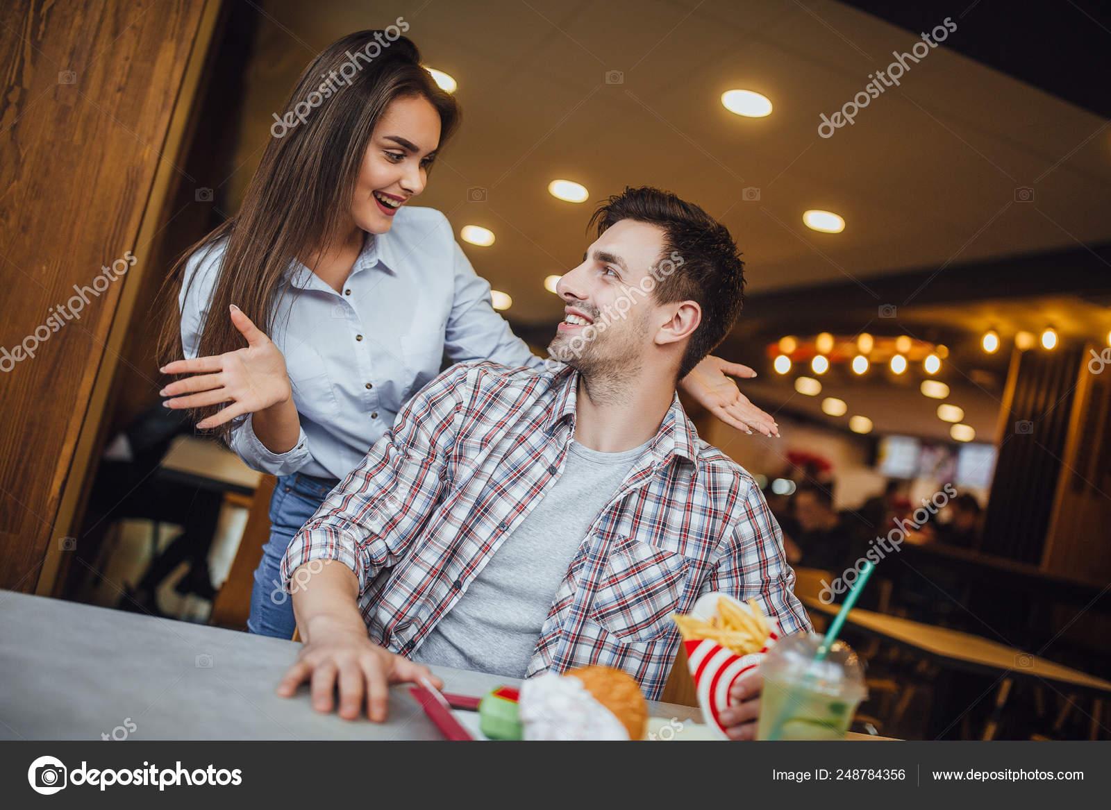 Dating καφέ-Event που χρονολογούνται από τη Νέα Υόρκη