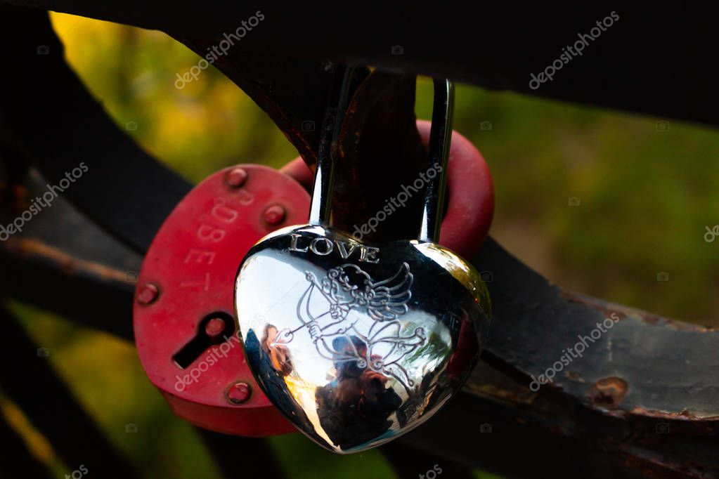 The wedding lock