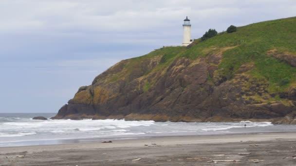Hohen Bluff hält Kopf Leuchtturm Pazifik Küste