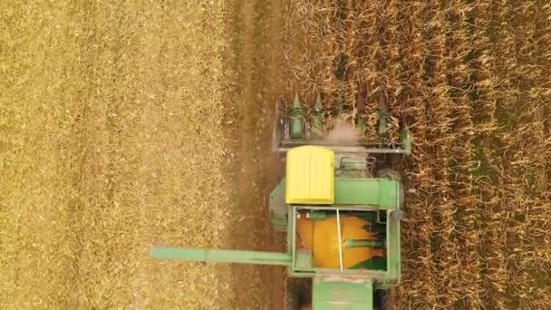 Zemědělské kombajny zemědělství kombinovat, sběr plodin zemědělci pole