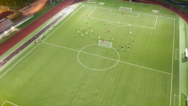 Fotbalový stadion Výcvikový noční letecký pohled