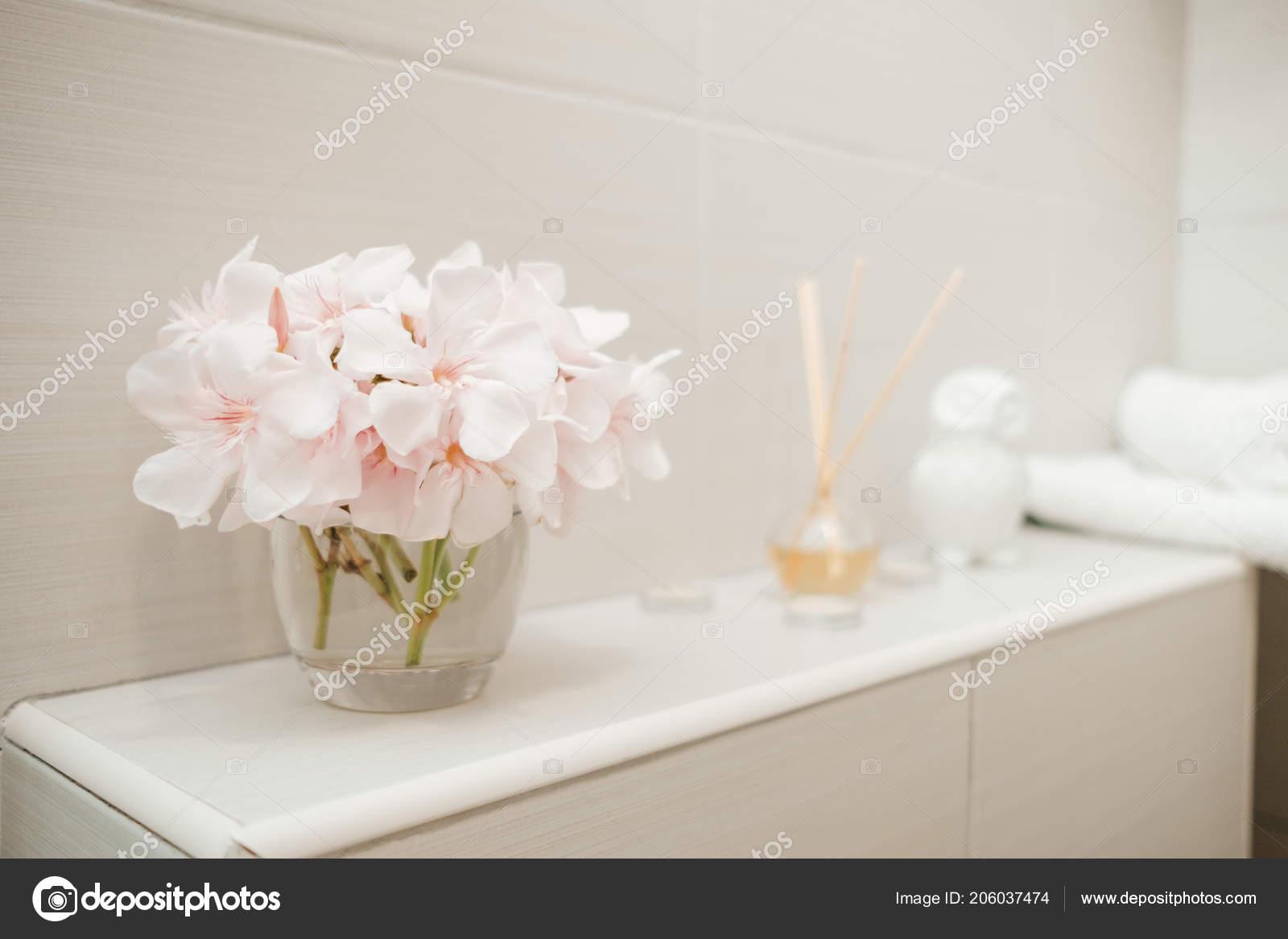Clean Towels Flowers Spa Bath Cosmetic Bathroom — Stock Photo ...
