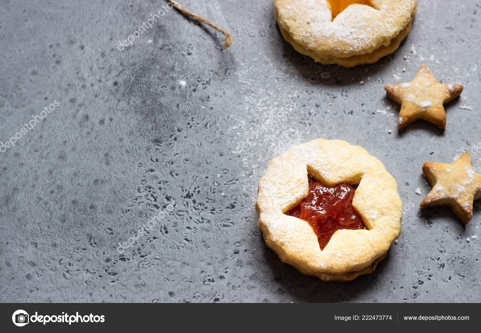 Biscotti Di Natale Con Marmellata.Natale Capodanno Biscotti Fatti Casa Con Marmellata Rosso