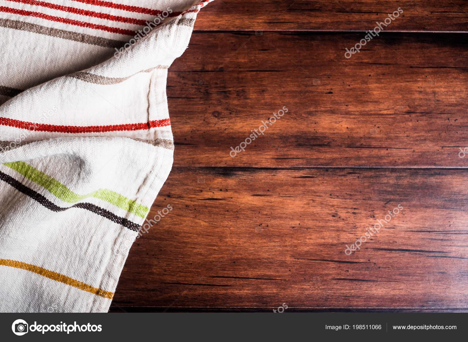 Bunt Gestreifte Bettwäsche Serviette Auf Eine Alte Hölzerne Braunen