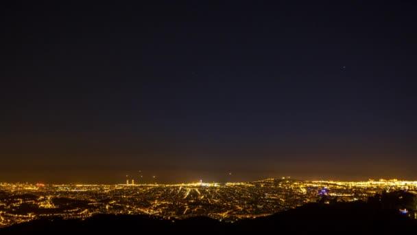 idő telik el a barcelona városára, egész éjjel
