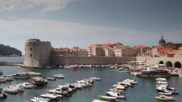 Pohled na opevněné město Dubrovník na Jadranu, Chorvatsko