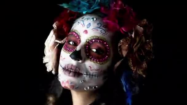 Egyéni tervezett candy koponya mexikói nap a halott arca smink gyönyörű nő, ez a verzió már végigmenni különféle hatások, hogy ez szándékos videó statikus és torzítás
