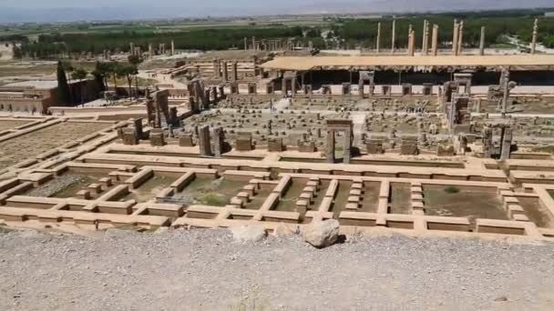 lidé v Persepolis staré ruiny, památky historické destinace v Íránu