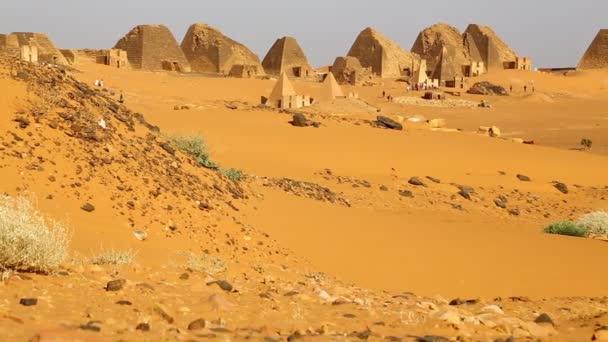 antike Tempel schwarzer Pharaonen in der Sahara-Wüste