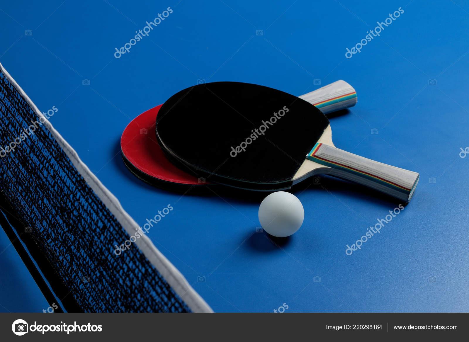 1e9246a1e Ping Pong Acessórios Para Tênis Mesa Raquete Bola Sobre Uma — Fotografia de  Stock