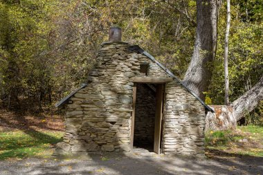 An Old Historical Chinese Workers Hut From The Gold Rush Days In Arrowtown New Zealand