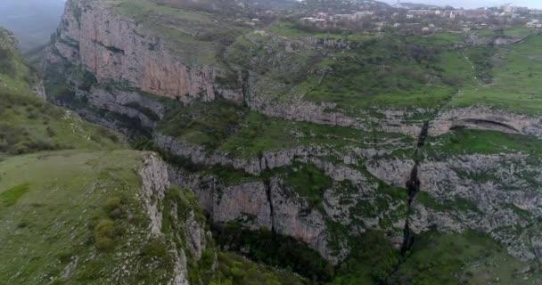 Crossing deep gorge, abyss, Buildings