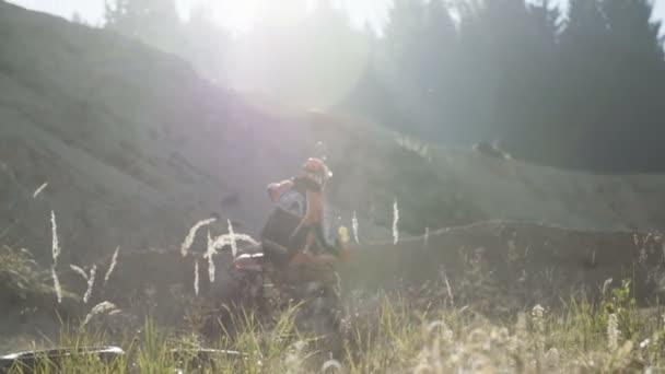 Dirt bike rider vezetés a motorkerékpár