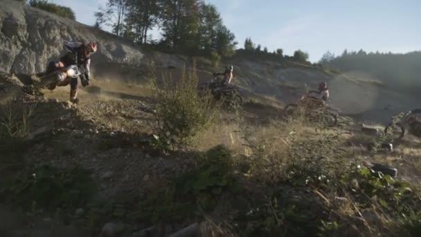 Motocross školení při západu slunce