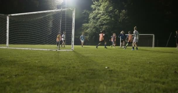 Fotbal dítě skóre cíl