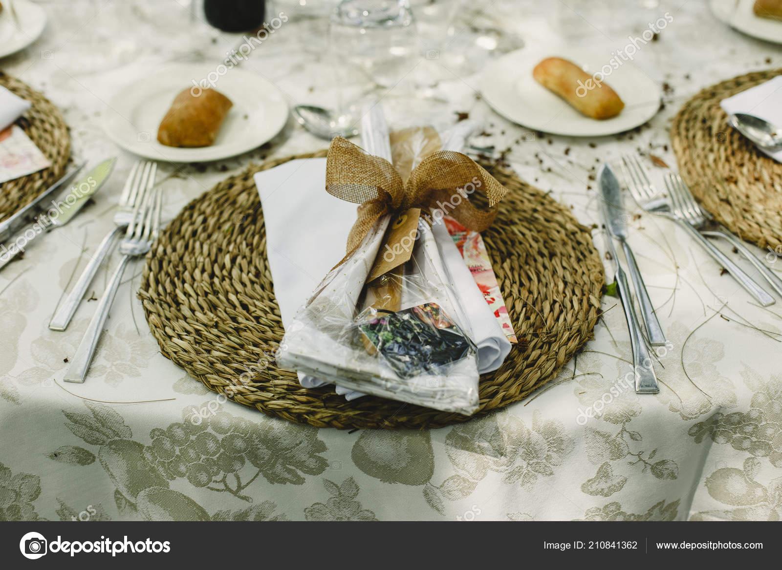 cf56fca736da Διακόσμηση Από Κεντρικά Του Γάμου Μαχαιροπίρουνα Και Vintage Λεπτομέρειες — Φωτογραφία  Αρχείου
