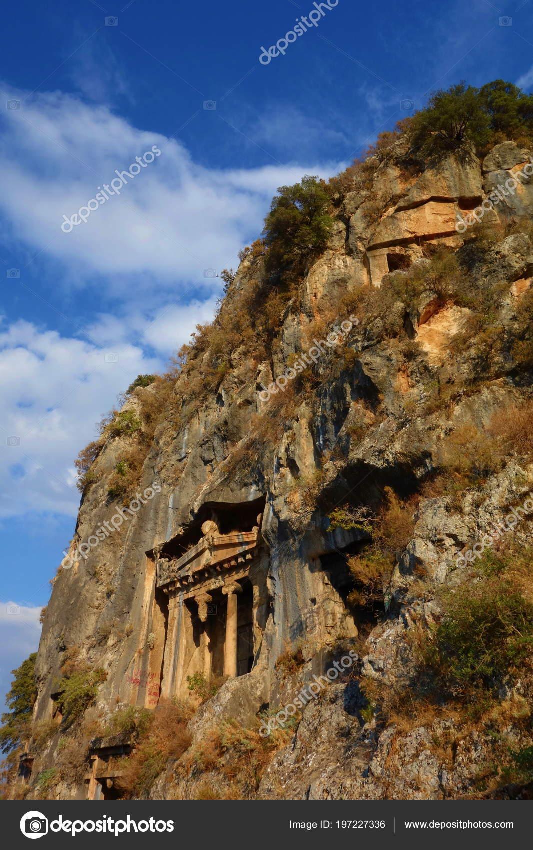アミュンタス 古代リュキアの墓...
