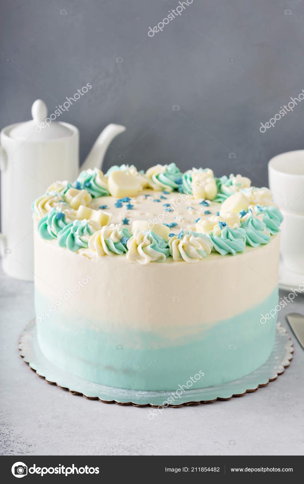 Einfache Baby Dusche Oder Taufe Kuchen Stockfoto C Fahrwasser