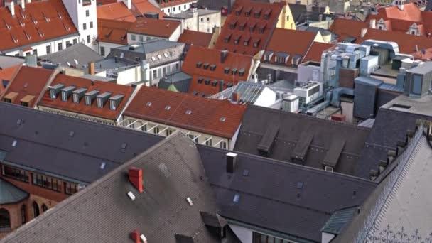 Luftaufnahme des roten Dächer in Altstadt, München, Bayern, Deutschland