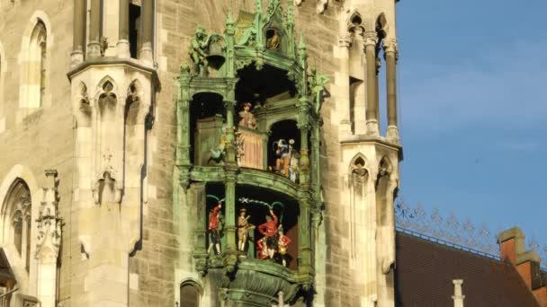 Uhr von das neue Rathaus (Neues Rathaus) am Marienplatz in München Stadt, Bayern, Deutschland
