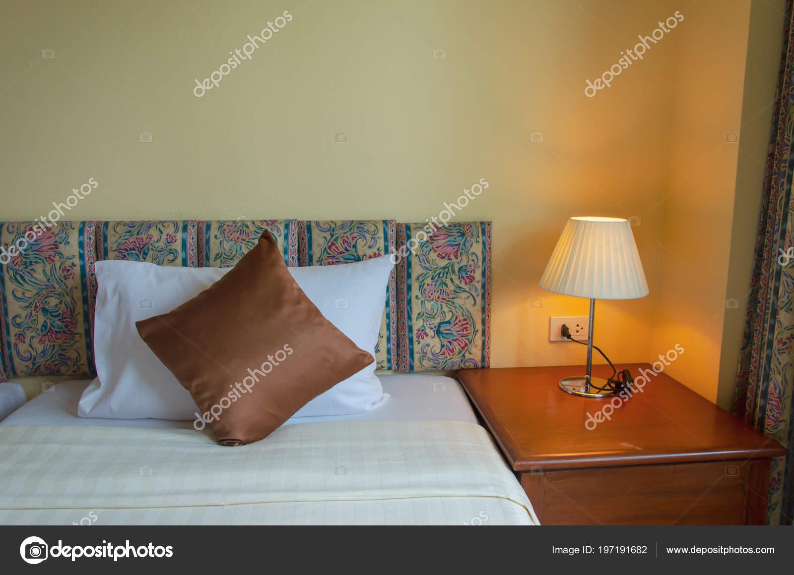 lampen schlafzimmer modern schlafzimmer deko kissen set massivholz g nstig kinderzimmer im. Black Bedroom Furniture Sets. Home Design Ideas