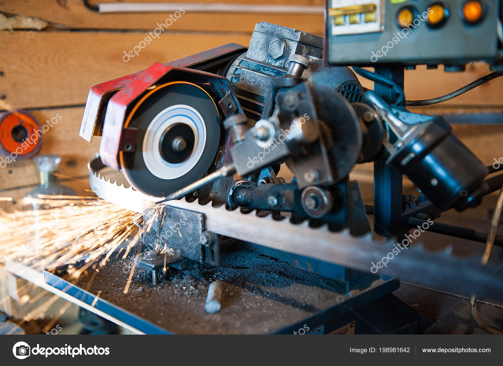 Sharpening Band Saw Blades Machine — Stock Photo