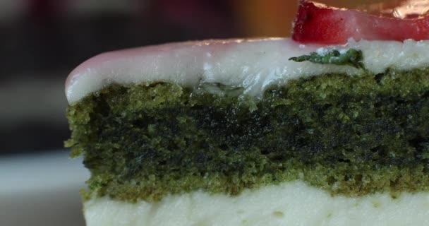 Selektivní zaměření delikátní koláče s ostružinami