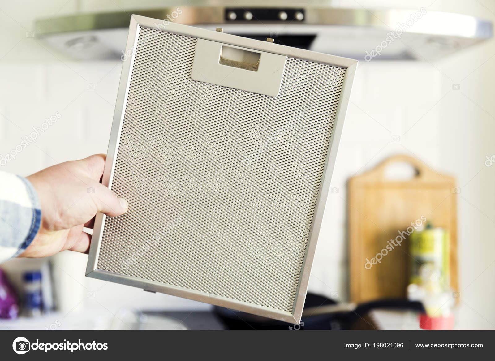 Gereinigten aluminium siebfilter für dunstabzugshaube u stockfoto