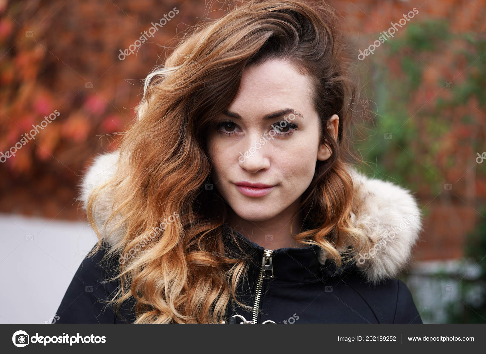 Flash photo strip brunette