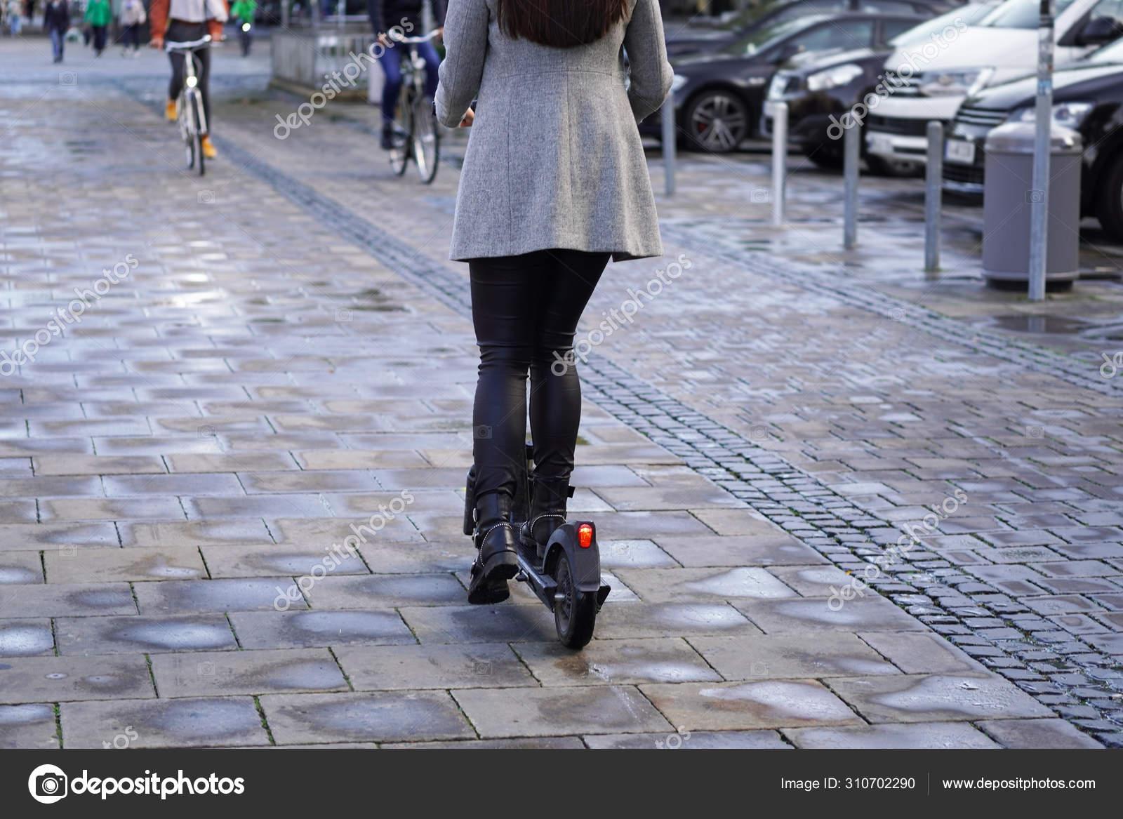e scooter bürgersteig
