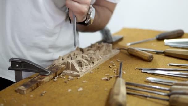 Tischlerei, manuelle Holzschnitzerei Handwerker