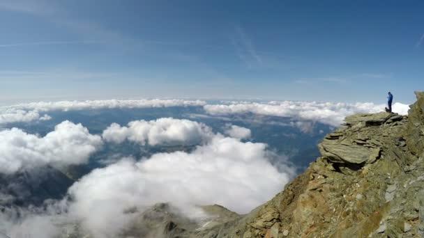 Vista Panorámica En El Tour Del Mont Blanc Desde La Terraza De Casa Du Gouter A 3835 M Casa Del Refugio Es Popular Punto De Partida Para Intentar La Subida De Mont Blanc Francia